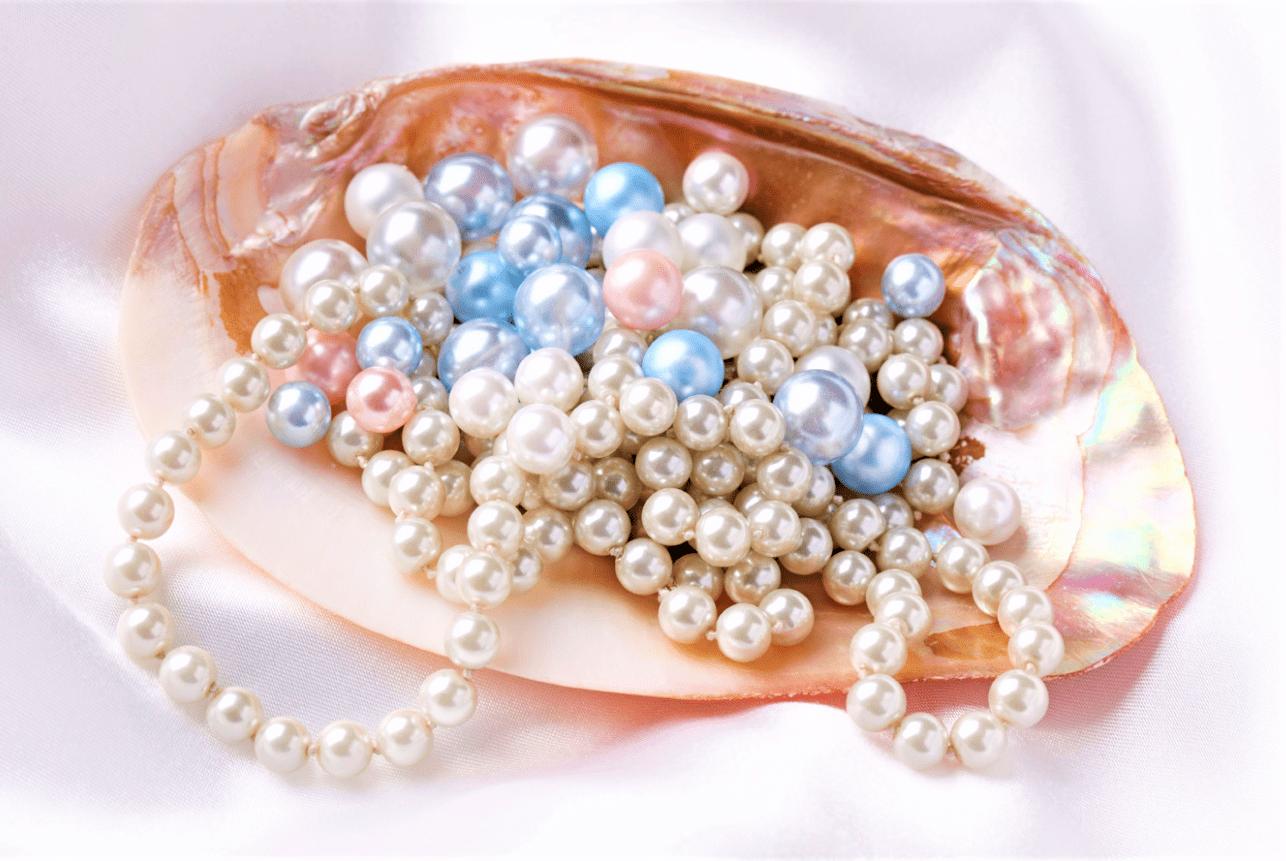 Pearls-min.png