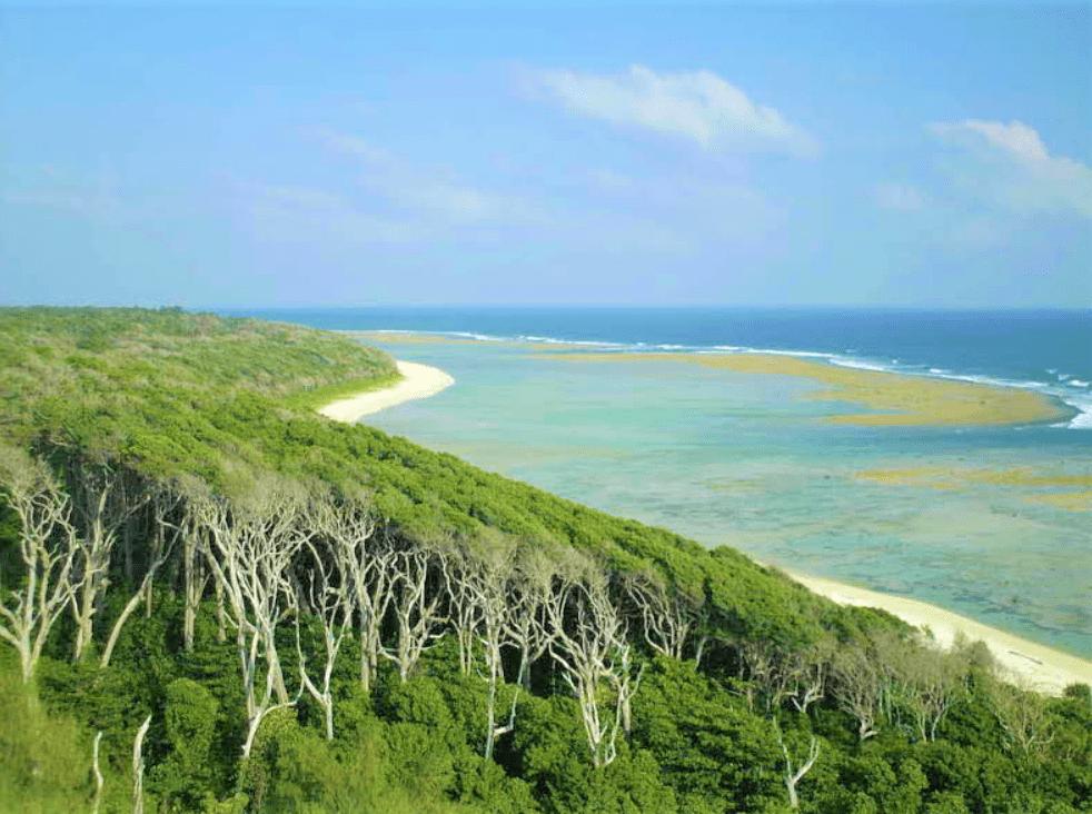 Hut-Bay-island-3-min.png