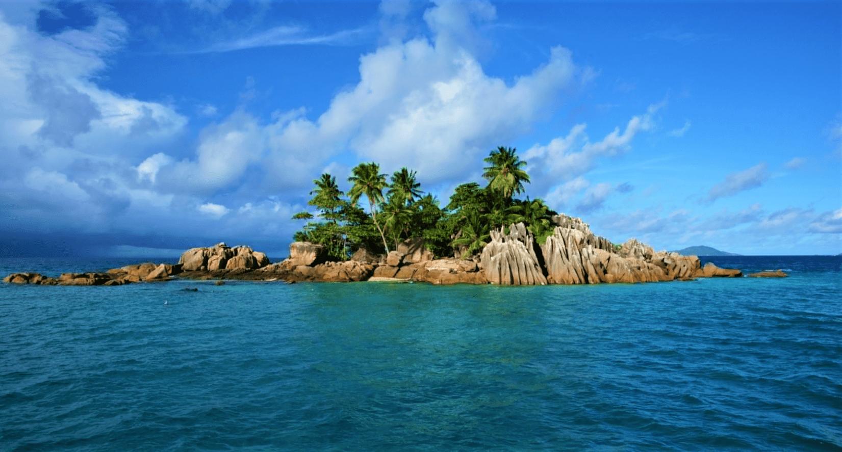 Hut-bay-Island-min.png