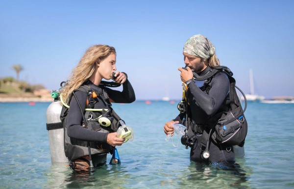 Diving For the First Time? Know These 10 Tips for Your Complete Safety